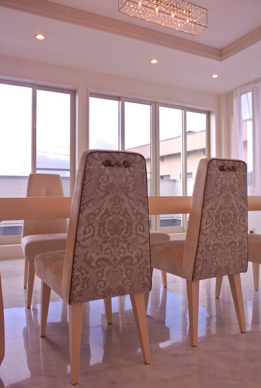 上質感とさりげない意匠性を考慮したオーダー家具。