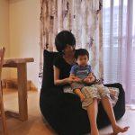 即座に座る人仕様になるビーンズソファ&お子さん用クリモノテーブル。